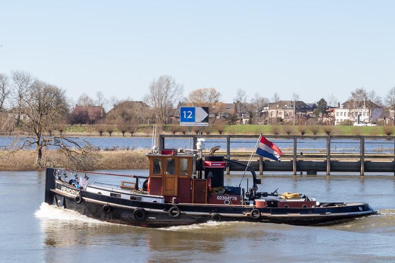 """Hendrik, sleepboot 02304778 <a href=""""https://www.binnenvaart.eu/motorsleepboot/19235-vd-227-arie.html"""" target=""""_blank"""">info</a>"""