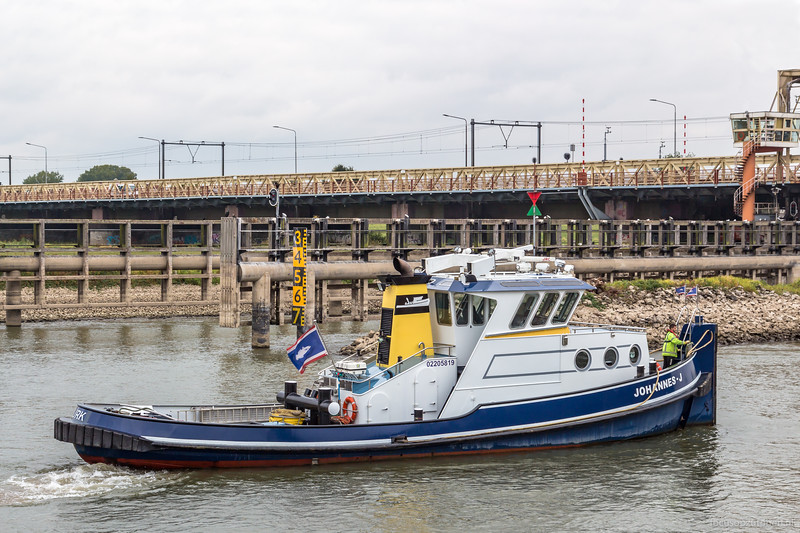 """Johannes J, sleepboot 02205819 <a href=""""https://www.binnenvaart.eu/onbekend/6490-bugsier.html"""" target=""""blank"""">info</a>"""
