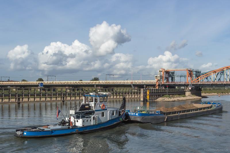 """Dirk II, duwboot 02210714 <a href=""""https://www.binnenvaart.eu/motorduwboot/21893-johan.html"""" target=""""blank"""">info</a>"""