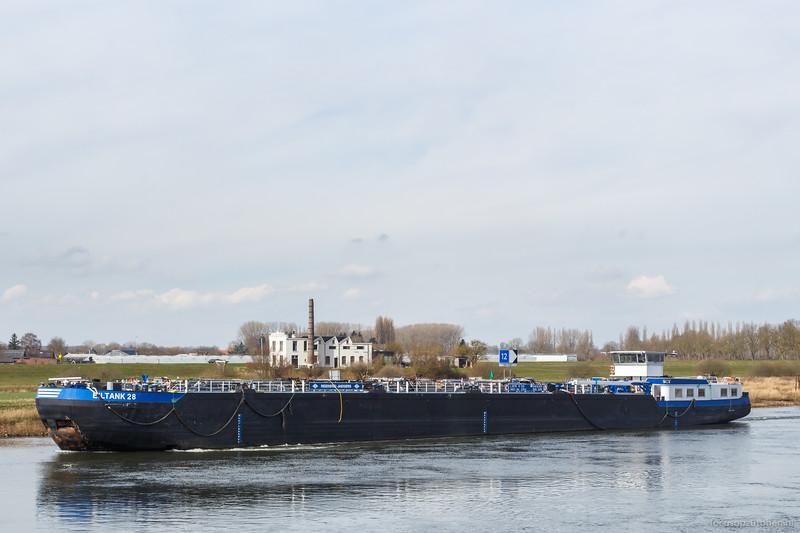 """Eiltank 28, tankschip 04806850 <a href=""""https://www.binnenvaart.eu/motortankschip/25535-eiltank-68.html"""" target=""""blank"""">info</a>"""