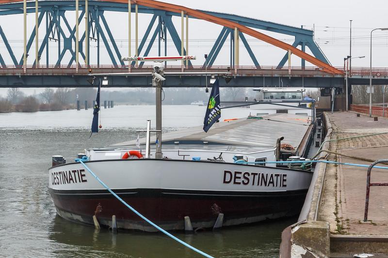 """Destinatie, vrachtschip 02316273 <a href=""""https://www.binnenvaart.eu/motorvrachtschip/9751-har-jan.html"""" target=""""_blank"""">info</a>"""