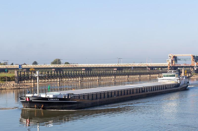 "Lumara, vrachtschip 02318286 <a href=""https://www.binnenvaart.eu/motorvrachtschip/2431-noordkaap.html"" target=""_blank"">info</a>"