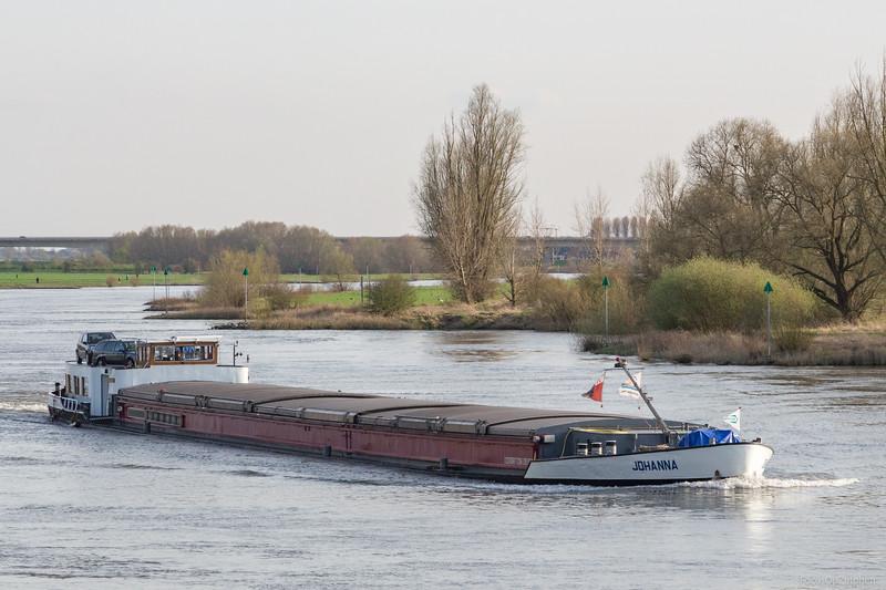 """Johanna, vrachtschip  02317060 <a href=""""http://www.binnenvaart.eu/onbekend/1155-verzy.html"""" target=""""_blank"""">info</a>"""