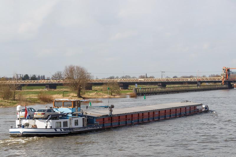"""Ambulant, vrachtschip 02315575 <a href=""""https://www.binnenvaart.eu/onbekend/15317-ambulant.html"""" target=""""_blank"""">info</a>"""