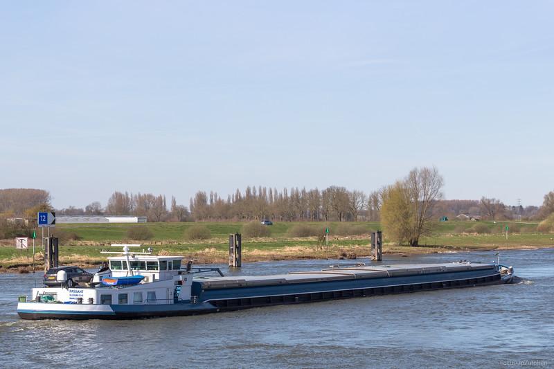 """Passant, vrachtschip 06003769 <a href=""""https://www.binnenvaart.eu/onbekend/9527-express-306.html"""" target=""""blank"""">info</a>"""