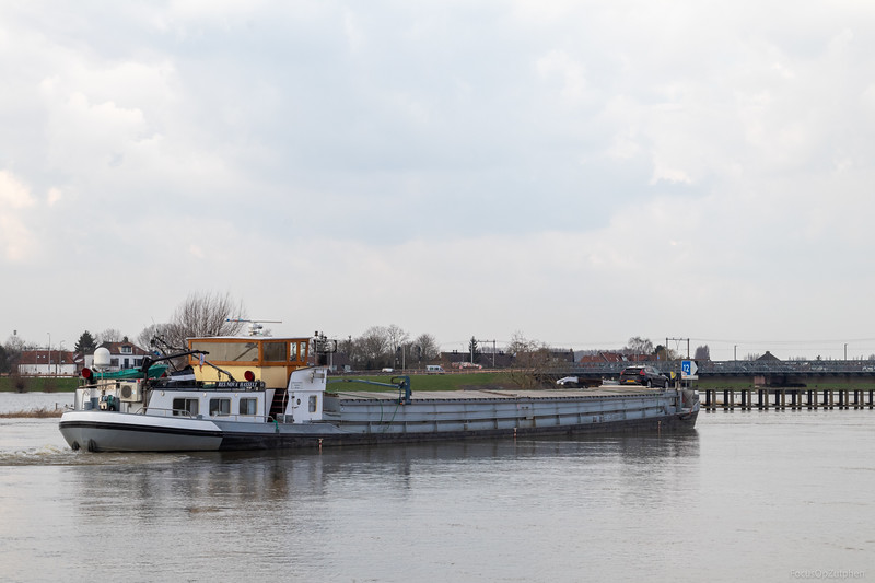 "Res Nova, vrachtschip 05307240 <a href=""https://www.binnenvaart.eu/onbekend/27361-gerda.html"" target=""_blank"">info</a>"