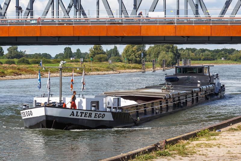 "Alter Ego, vrachtschip 02314264 <a href=""https://www.binnenvaart.eu/onbekend/1322-emmental.html"" target=""blank"">info</a>"
