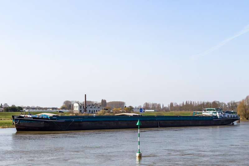 "Dorneck, vrachtschip 06004125 <a href=""https://www.binnenvaart.eu/onbekend/237-nomadisch.html"" target=""blank"">info</a>"