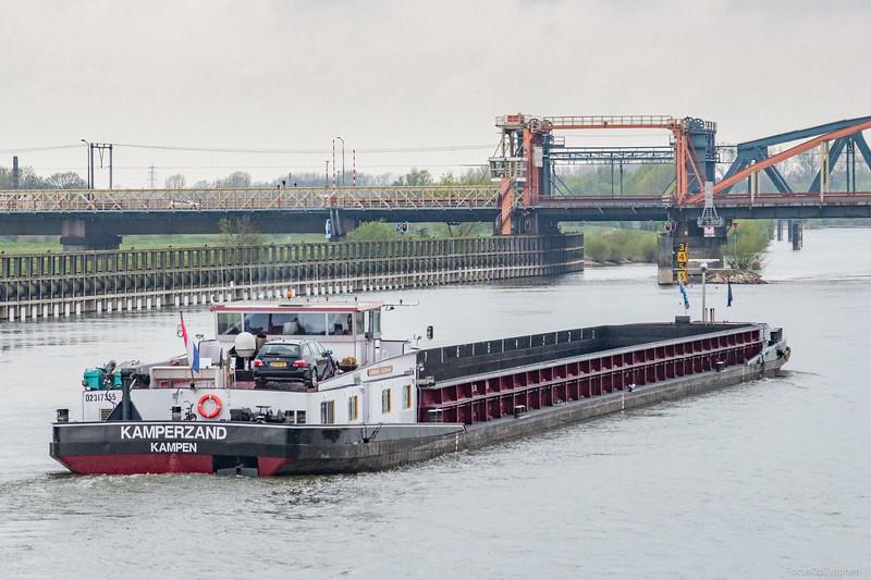 "Kamperzand, vrachtschip 02317355 <a href=""https://www.binnenvaart.eu/motorvrachtschip/8373-kamperzand.html"" target=""_blank"">info</a>"