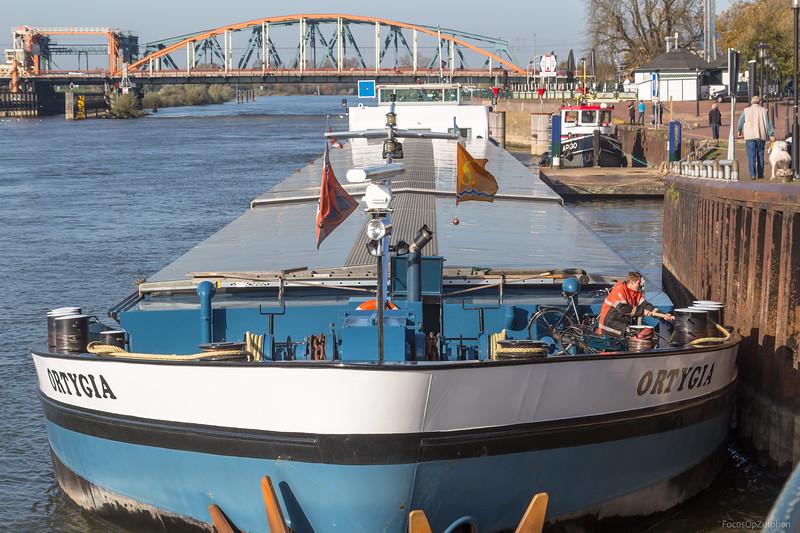 """Ortygia, vrachtschip 02319000 <a href=""""https://www.binnenvaart.eu/onbekend/18206-hendrik-s.html"""" target=""""_blank"""">info</a>"""