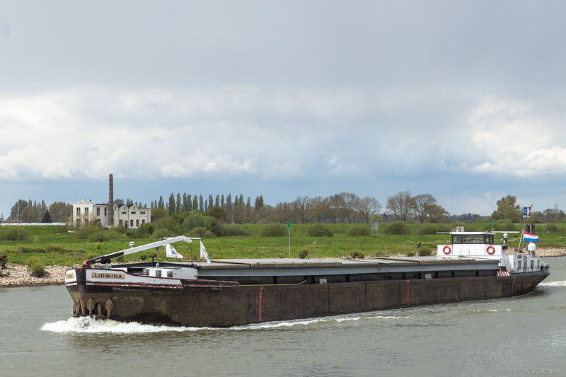 "Lidwina,  vrachtschip 02319471 <a href=""https://www.binnenvaart.eu/onbekend/11418-st-audomarus.html"" target=""blank"">info</a>"