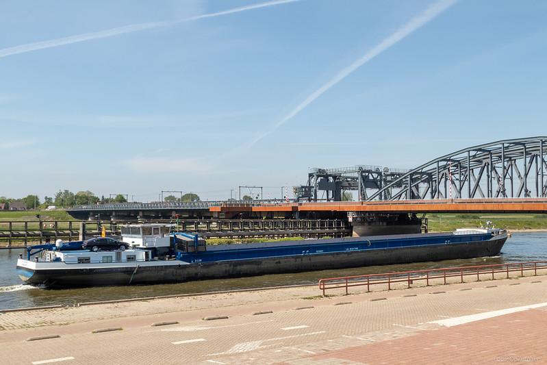 """Fiat-Voluntas, vrachtschip 02104021 <a href=""""https://www.binnenvaart.eu/onbekend/32481-karl-tiedtke-2.html"""" target=""""_blank"""">info</a>"""
