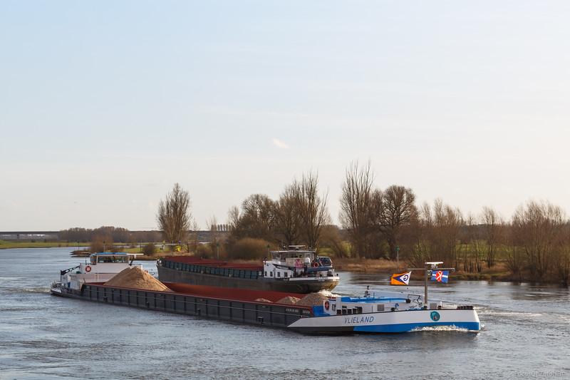 "Vlieland, vrachtschip 02313724 <a href=""https://www.binnenvaart.eu/onbekend/2442-malm-13.html"" target=""_blank"">info</a>"