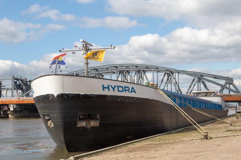 """Hydra, vrachtschip 02334762 <a href=""""https://www.binnenvaart.eu/motorvrachtschip/15325-hydra.html"""" target=""""_blank"""">info</a>"""