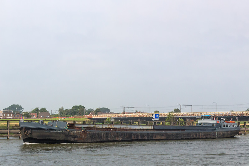 """Wesu, vrachtschip 02311850 <a href=""""https://www.binnenvaart.eu/motorvrachtschip/26899-margriet.html"""" target=""""_blank"""">info</a>"""