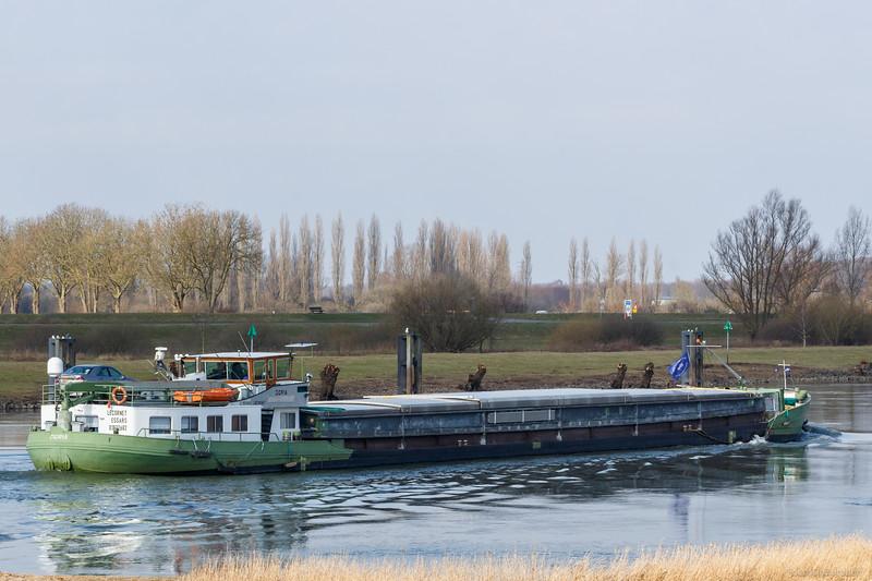 """Doria, vrachtschip 01822682 <a href=""""https://www.binnenvaart.eu/onbekend/20667-doria.html"""" target=""""blank"""">info</a>"""