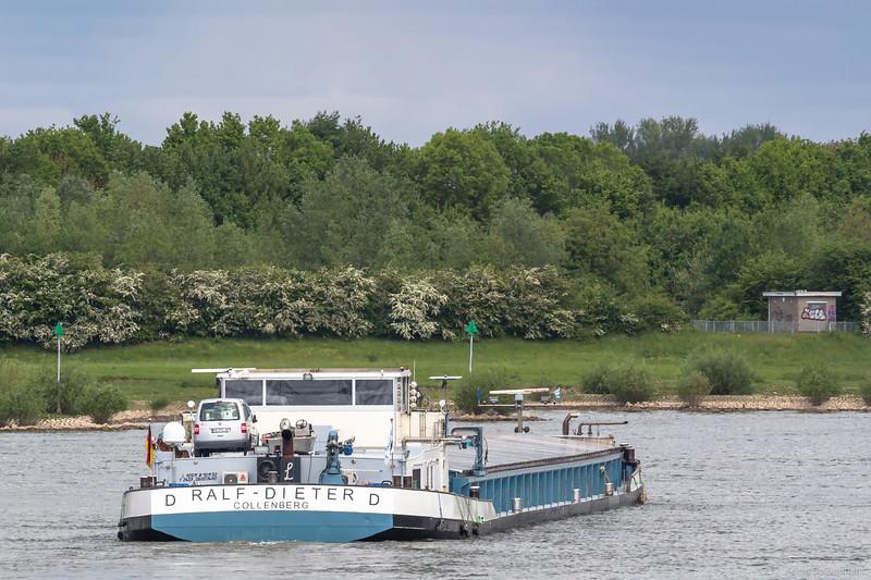 """Ralf-Dieter, vrachtschip 06003480 <a href=""""https://www.binnenvaart.eu/motorvrachtschip/6121-dettmer-tank-39.html"""" target=""""_blank"""">info</a>"""