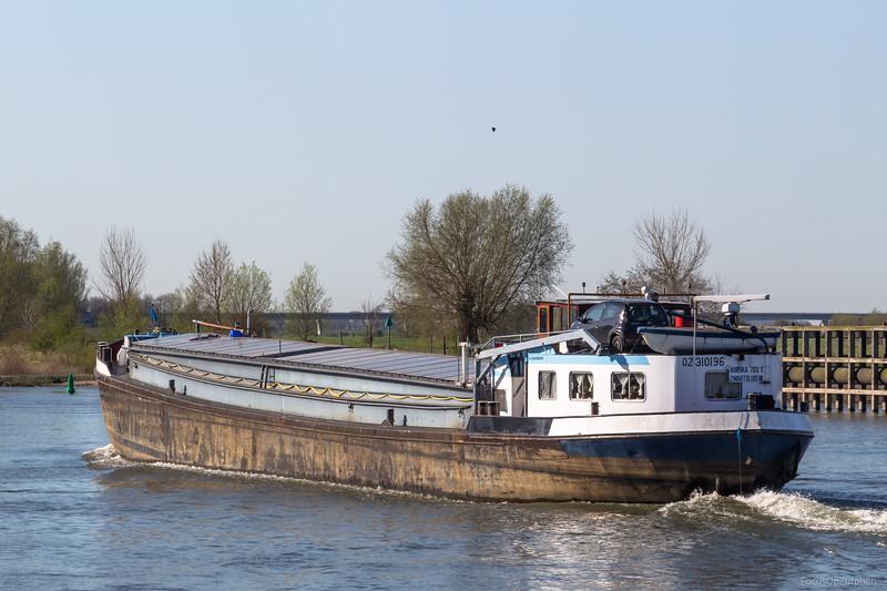"""Aurora, vrachtschip 02310196 <a href=""""https://www.binnenvaart.eu/motortankschip/16096-morinia.html"""" target=""""_blank"""">info</a>"""