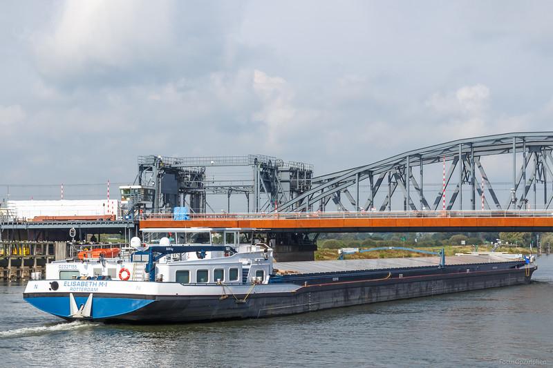 """Elisabeth M-I, vrachtschip 02327155 <a href=""""https://www.binnenvaart.eu/onbekend/3283-taormina.html"""" target=""""_blank"""">info</a>"""