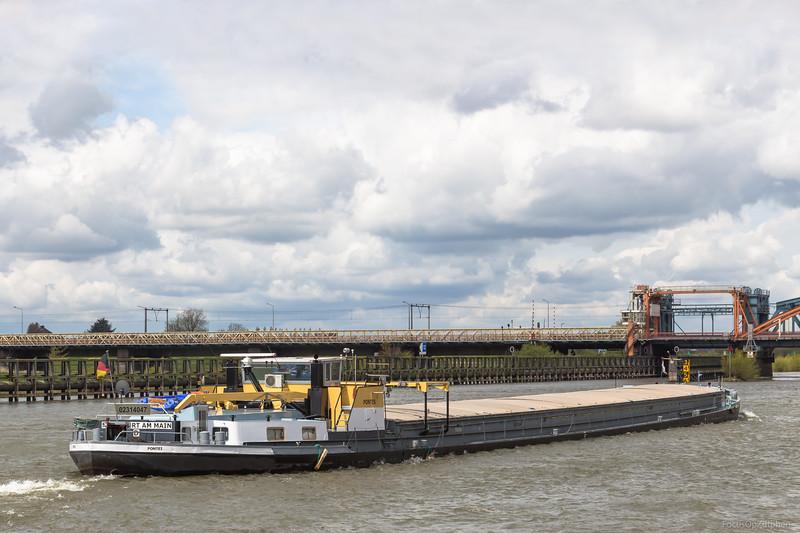 """Pontes, vrachtschip 02314047 <a href=""""https://www.binnenvaart.eu/onbekend/9980-vicosoprano.html"""" target=""""_blank"""">info</a>"""