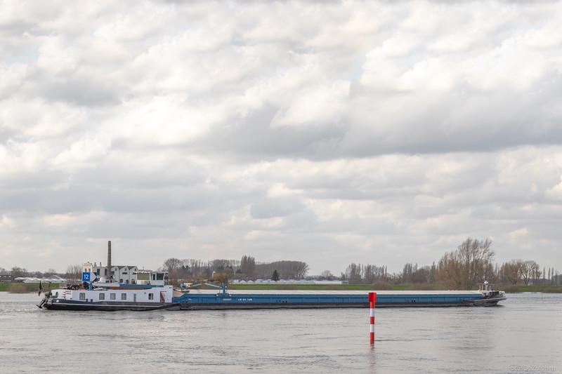 """Daya, vrachtschip 06002547 <a href=""""https://www.binnenvaart.eu/onbekend/21777-jupiter.html"""" target=""""_blank"""">info</a>"""