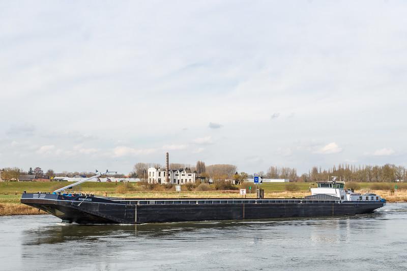 """Romanos, vrachtschip 02316150 <a href=""""https://www.binnenvaart.eu/vrachtduwbak/18344-marjo-iii.html"""" target=""""_blank"""">info</a>"""