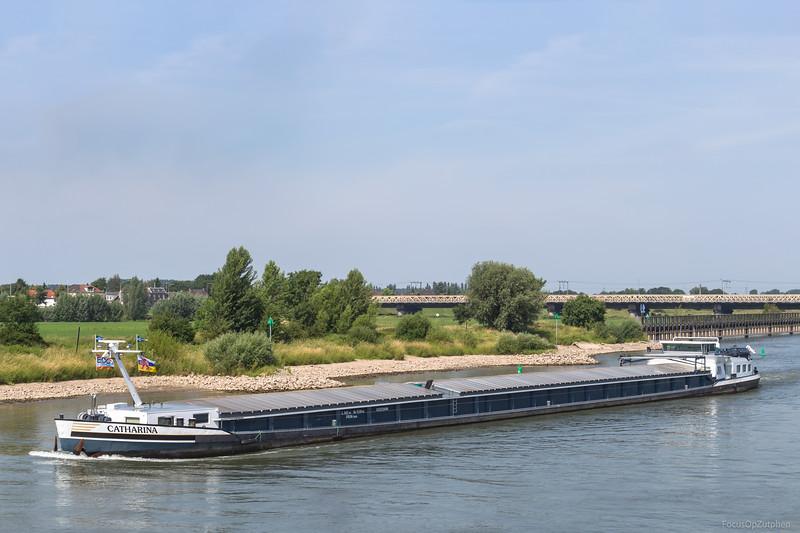 """Catharina, vrachtschip 02323686 <a href=""""https://www.binnenvaart.eu/motorvrachtschip/12165-vera-cruz.html"""" target=""""_blank"""">info</a>"""