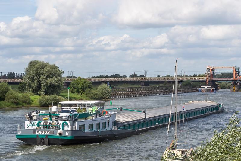 """Laguz, vrachtschip 06003519 <a href=""""https://www.binnenvaart.eu/motorvrachtschip/4629-deovira.html"""" target=""""_blank"""">info</a>"""