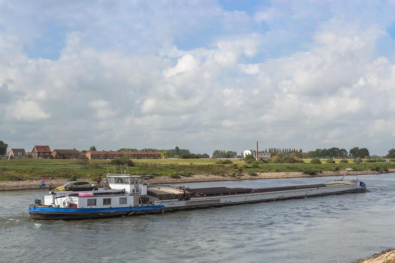 "Marjolein, vrachtschip 02318651 <a href=""https://www.binnenvaart.eu/onbekend/10678-karl-diederichs.html"" target=""blank"">info</a>"
