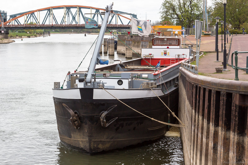 "Vertrouwen, vrachtschip 02312975 <a href=""https://www.binnenvaart.eu/onbekend/16934-venus.html"" target=""blank"">info</a>"