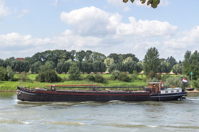 """Bona Spes, vrachtschip 03030873 <a href=""""https://www.binnenvaart.eu/onbekend/38624-onbekend.html"""" target=""""blank"""">info</a>"""
