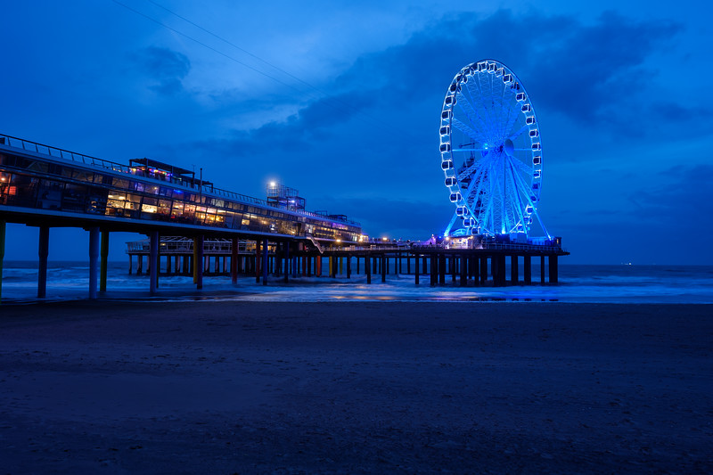 Scheveningen Pier & Ferris Wheel at Dusk