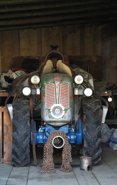Traktor mit Sattel, Tractor with Horse Sattle