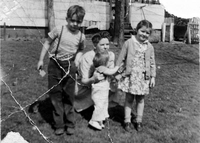 Beulah with Bill, Zoanne and Sandy.
