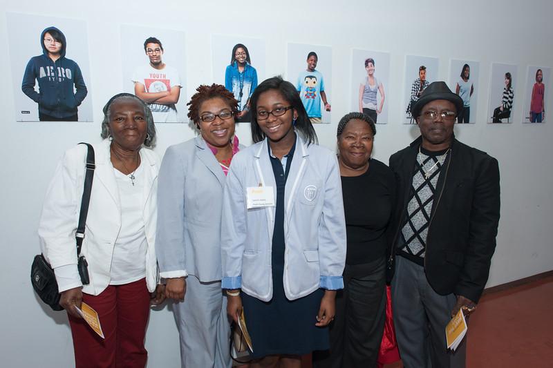 Pratt Young Scholar, Jazmin, and family.