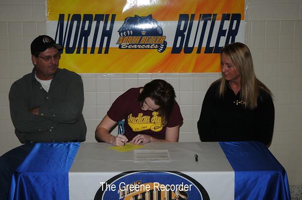 Nikki Boomgarden Signing
