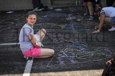 5-24-16 5th grade sidewalk chalk (Class of '23 - Erik's class)-20