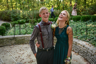 9-23-17 Simon Derstine and Taylor Schwab - Freshman Homecoming-7