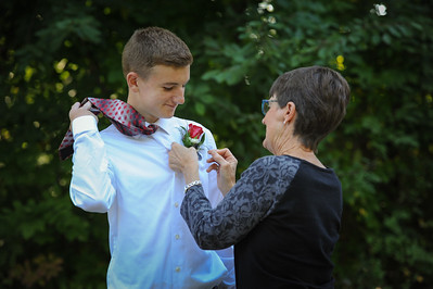 9-29-18 Eden Nygaard (15 - Sophmore) and Bailey Edwards (17 - Senior) Bluffton HS Homecoming-58