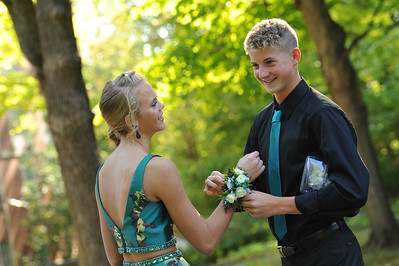 9-29-18 Bluffton HS Homecoming - Simon Derstine and Taylor Schwab - 10th grade-7