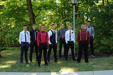 9-29-18 Bluffton HS Homecoming - Eden Nygaard and friends - 10th grade (Class of 2021)-15