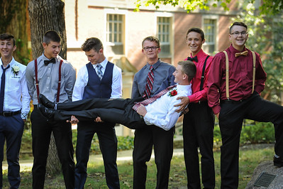 9-29-18 Bluffton HS Homecoming - Eden Nygaard and friends - 10th grade (Class of 2021)-4