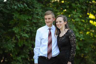 9-29-18 Eden Nygaard (15 - Sophmore) and Bailey Edwards (17 - Senior) Bluffton HS Homecoming-7