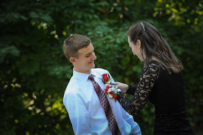 9-29-18 Eden Nygaard (15 - Sophmore) and Bailey Edwards (17 - Senior) Bluffton HS Homecoming-54