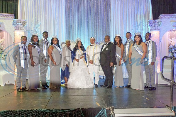 JCC President Lester Newman and his wife, Gloria Newman, pose with Mr. and Miss Jarvis Christian College 2019-2020 (Christopher Brown and Chartaveoua Graggs, center) and the rest of the royal party.