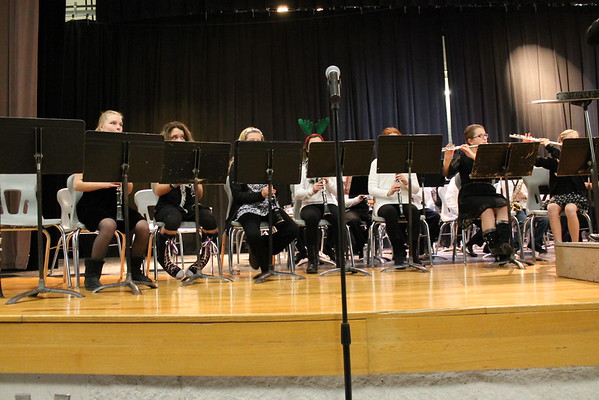 '16 Cardinal Middle School 5th Grade Christmas Band Concert