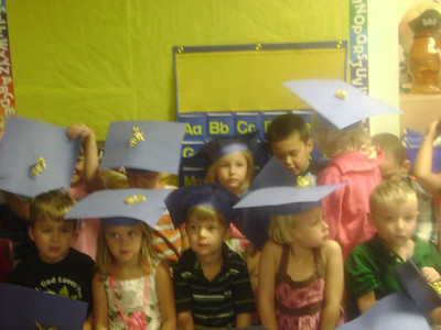 Elizabeth preschool graduation (14)