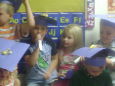 Elizabeth preschool graduation (19)