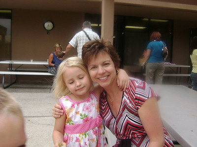 Elizabeth preschool graduation (25)