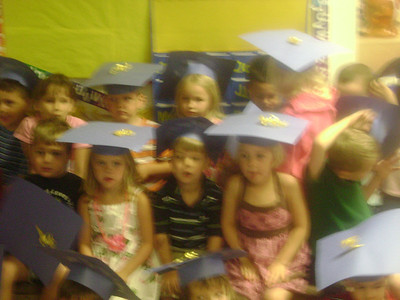 Elizabeth preschool graduation (13)